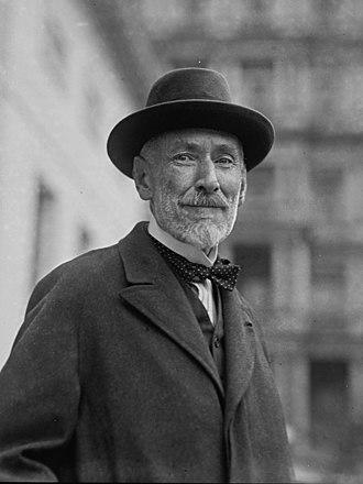 Horace Plunkett - Image: Sir Horace Plunkett, 1 15 23 LOC npcc.07656 (cropped)