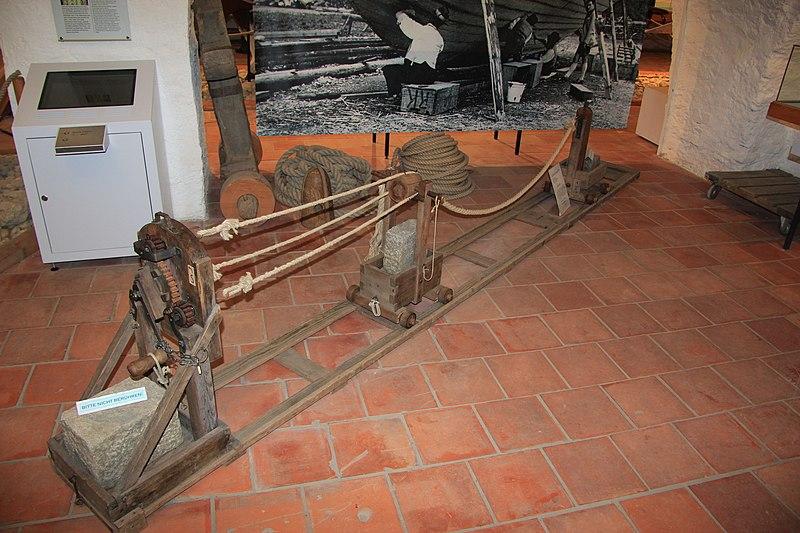 File:Spitz-Donau 9006.JPG