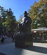 Spomenik Vuk Karadzic KG.jpg