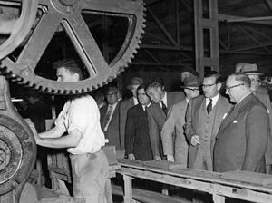 Vince Gair - Vince Gair inspecting the Wunderlich Tile factory at Northgate, May 1952.