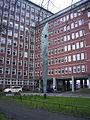 Stilisierter Schiffsburg vor dem Bundesamt für Seeschiffahrt und Hydrographie in Hamburg-Sankt Pauli.jpg