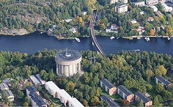 Træstubsundets vestlige del med Bergshamra vandtårne og Stocksundets østlige del, vy mod nord, september 2012.
