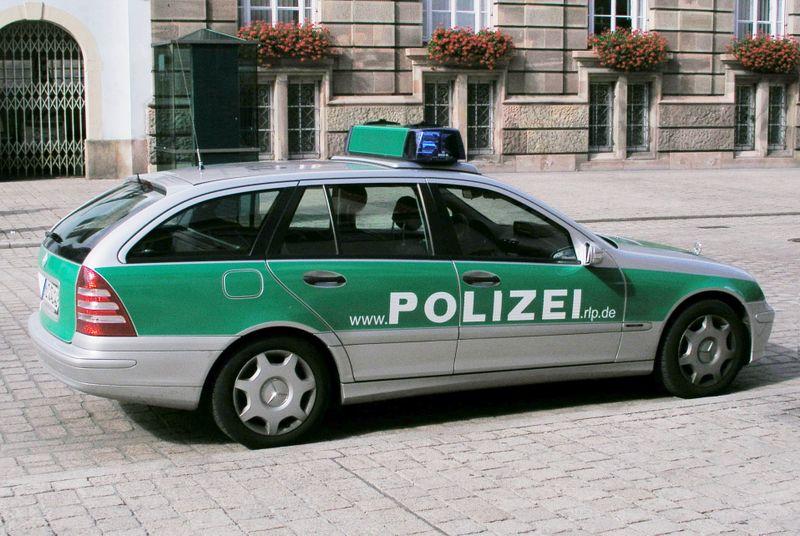File:Streifenwagen RLP.jpg