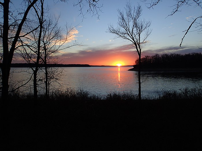 Sunrise over Stockton Lake - panoramio