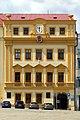 Třebíč - Karlovo náměstí - dům z hodinami.jpg