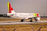 TAP - Air Portugal, Airbus A320-214, CS-TNK - FRA (20434478128).jpg