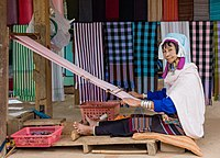 Tachileik Myanmar Kayan-People-Woman-03.jpg