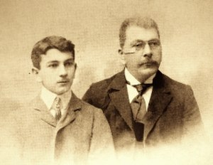 Armen Takhtajan - Armen Takhtajan's father (left) and grandfather (right), appr. 1900