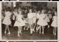 Tanzveranstaltung im Rahmen des Heider Kindervogelschießens, 1962.png