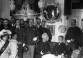 Teófilo Braga e Sousa Larcher, na casa do decano dos republicanos portugueses, por ocasião da manifestação de homenagem do Centro Democrático da Lapa (1911).png