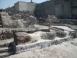 Templo Mayor serpents 2.jpg