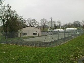 Saint-Jammes - Image: Terrain de tennis de Saint Jammes