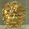 Testa di medusa in oro, III-I sec ac. ca.JPG