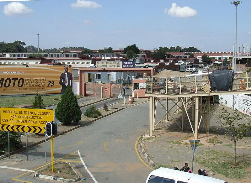 Fil:The Chris Hani Baragwanath Hospital, Soweto.jpg