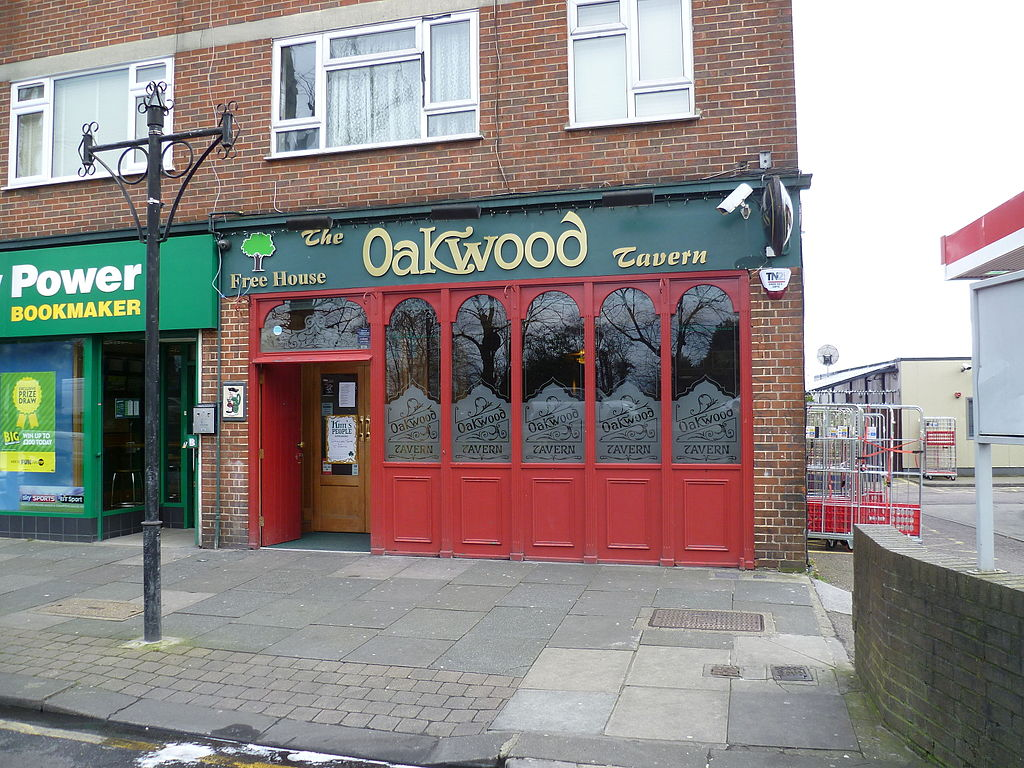 File the oakwood tavern oakwood jpg wikimedia commons for The oakwood