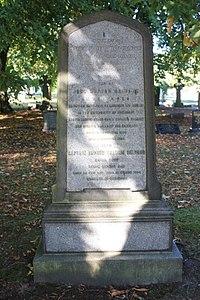 The grave of John Hutton Balfour, Warriston Cemetery, Edinburgh.jpg