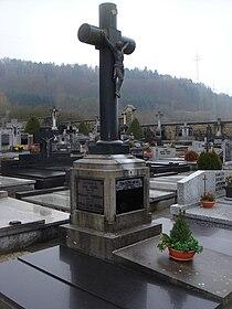 Theo Kerg tomb Petange Luxembourg.jpg