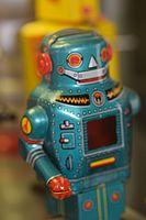 Tin toy robot (25405001885).jpg