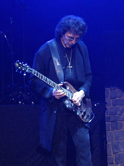 Tony Iommi live med Heaven and Hell i Polen 2007.