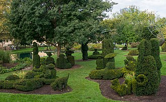 A Sunday Afternoon on the Island of La Grande Jatte - Topiary Park in Columbus, Ohio, replicates much of the painting