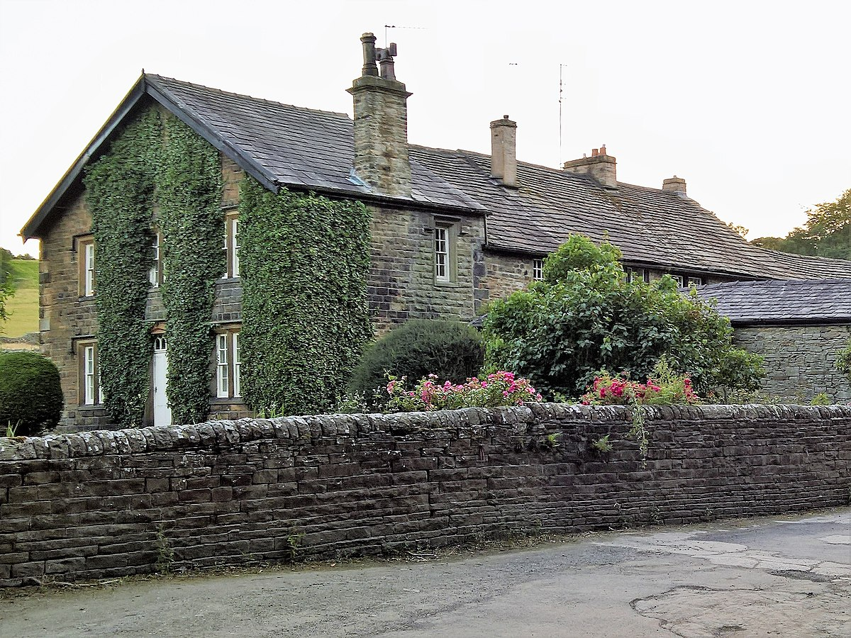 Towneley Farmhouse and cottages.jpg
