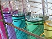 Kimia mempelajari komposisi, struktur, dan sifat zat kimia dan transformasi yang dialaminya.