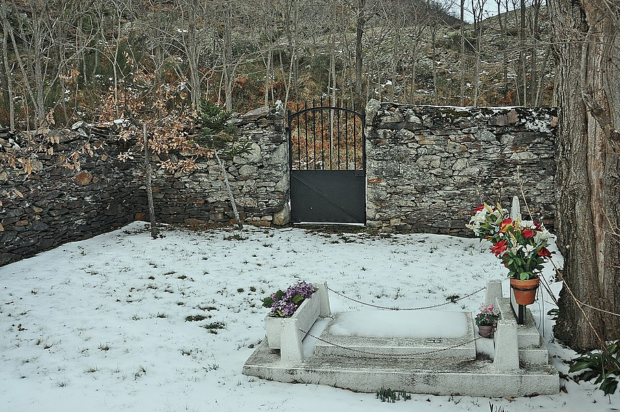 El cementerio mas pequeño de España-Valle de Arán