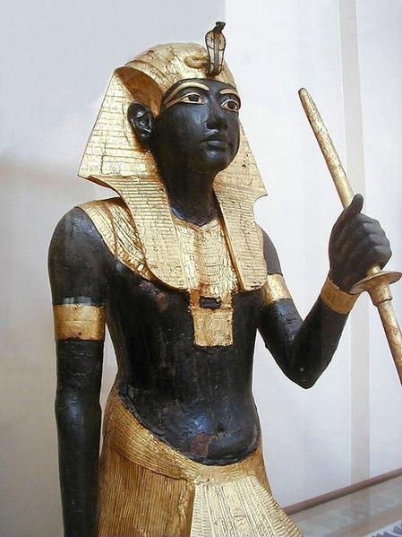 File:Tutanhkamun tomb statue edit 1.jpg