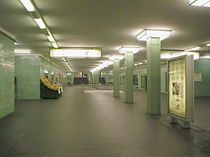 U8 (Berlin U-Bahn) - Alexanderplatz station: an early underground shopping arcade