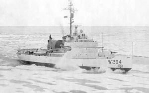 USCGC Edisto (WAGB-284) - USCGC Edisto. Note retracted hangar.