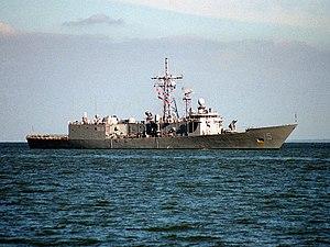 USS Estocin (FFG-15) - Estocin entering Hampton Roads, returning following Hurricane Felix, 1995.