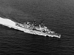 USS Turner (DDR-834) underway on 8 October 1965.jpg