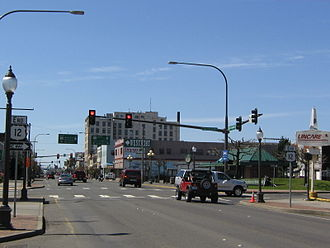U.S. Route 12 in Washington - US 12 approaching its western terminus in downtown Aberdeen