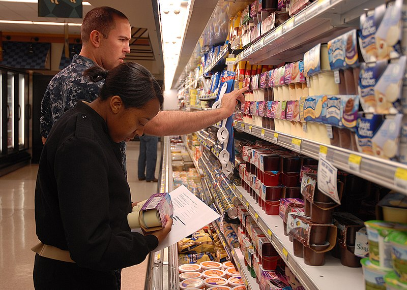 File:US Navy 100526-N-9520G-001 Sailors look over a list of grocery items during a healthy choices scavenger hunt supporting Commissary Awareness Month.jpg