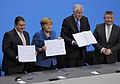 Unterzeichnung des Koalitionsvertrages der 18. Wahlperiode des Bundestages (Martin Rulsch) 123.jpg