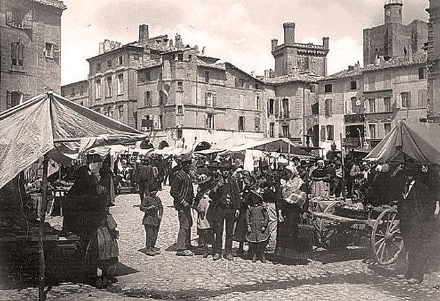 Рынок в Юзесе в 1890 году