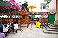 Văn nghệ Hội đình làng tứ thôn xã Minh Tân, huyện Lương Tài, tỉnh Bắc Ninh (ảnh chụp mặt bên).jpg