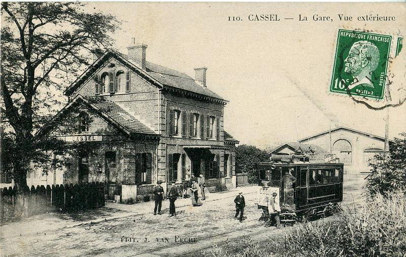 File:Van Eeche 110 - CASSEL - La Gare, vue extérieure.JPG