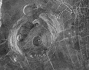 Bir 'taç' örneği: 200 km. çapında Aine Corona.Magellan görüntüsü