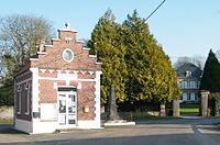Vercourt-mairie-château-monument.jpg