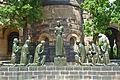 Versöhnungskirche-Kriegerdenkmal.jpg
