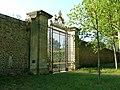 Versailles potager du roi porte royale.jpg