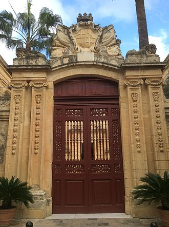 Palazzo Vilhena - The arch leading to the forecourt