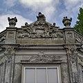 Voorgevel, beeldhouwwerk op theekoepel - Enkhuizen - 20336777 - RCE.jpg