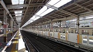 Wakōshi Station - View from platforms 3/4, looking toward Ikebukuro, October 2012