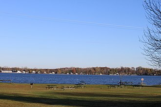 Hayes State Park - Picnic area on Wamplers Lake