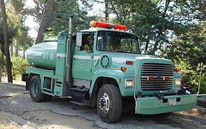 Ford L-Series - Ford L9000 Fire tank truck