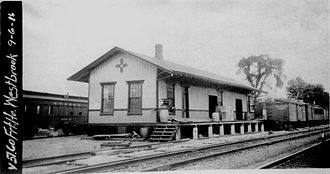 Westbrook station (Connecticut) - 1852-built Westbrook station in 1916. This structure still stands and operates as a sports bar.