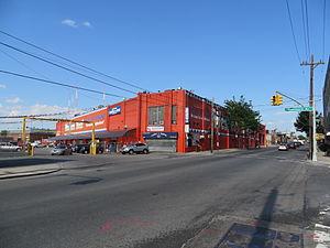 Metropolitan Avenue - Ridgewood, Queens