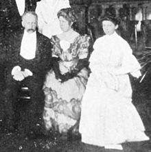 William Bateson, Beatrice Durham Bateson, Florence Durham 1906.jpg